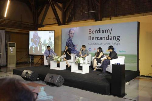 Berdiam/Bertandang